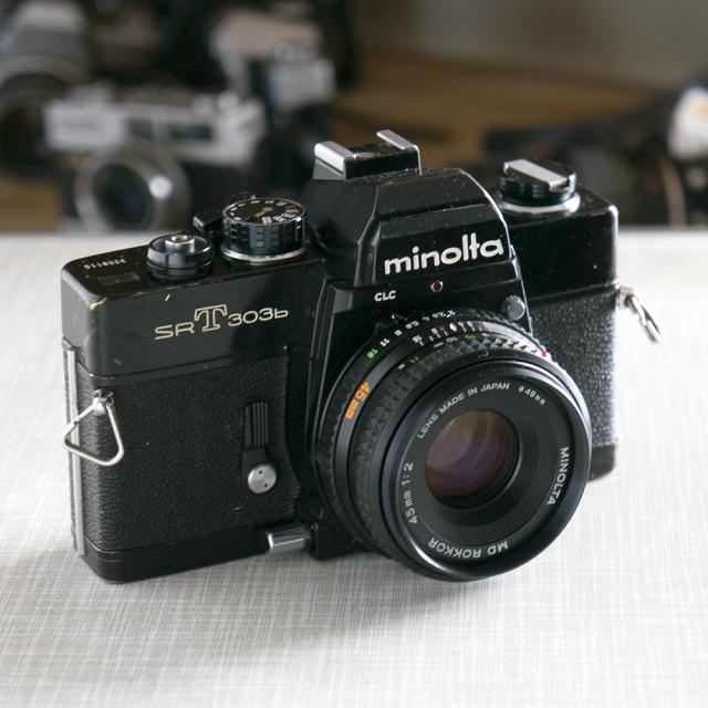 Minolta SRT303b